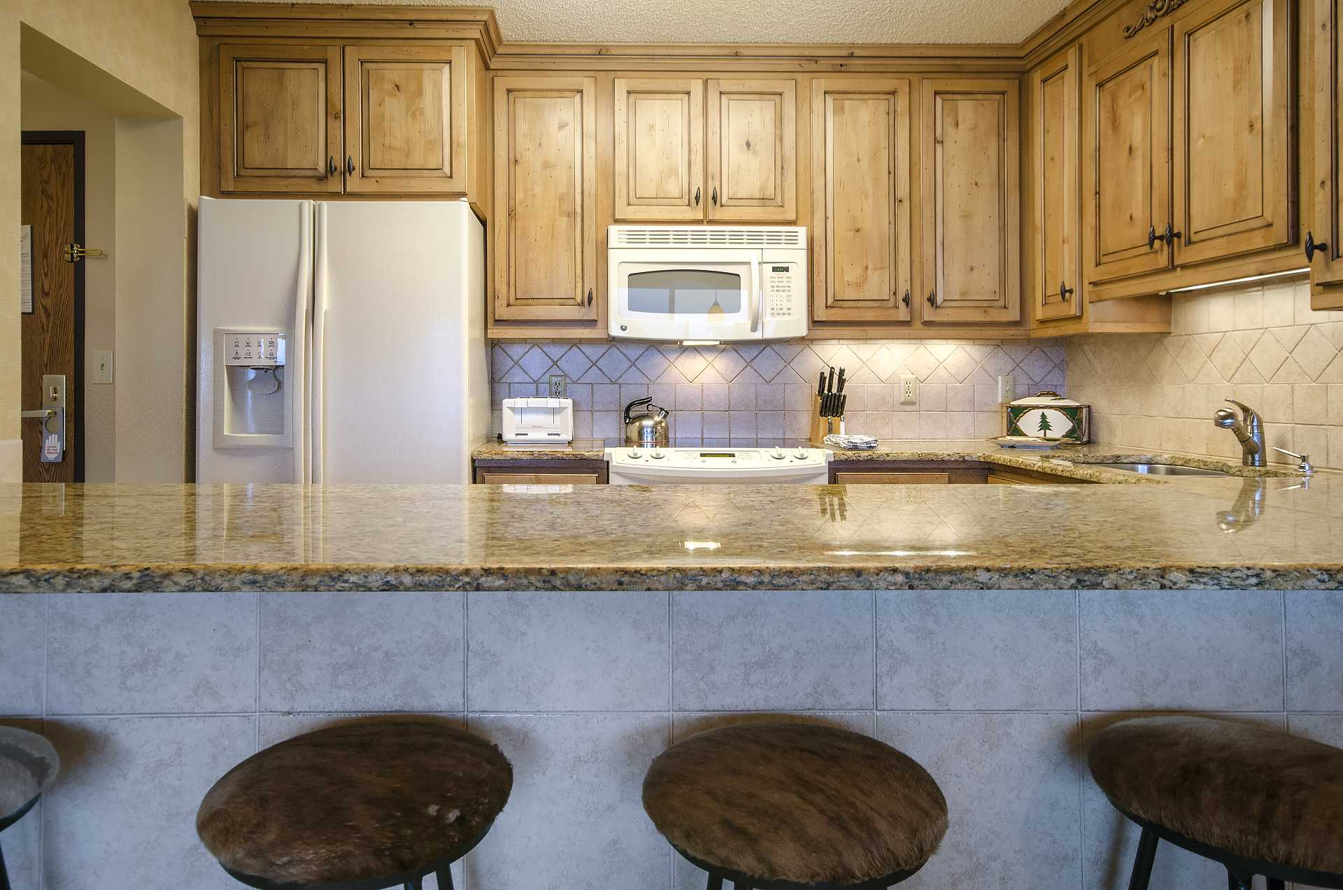 Centerpiece Living Room Rates : Bt bronze tree condominiums steamboat springs