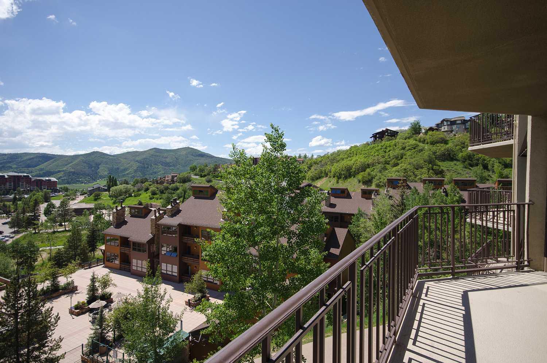 BT402: Bronze Tree Condominiums