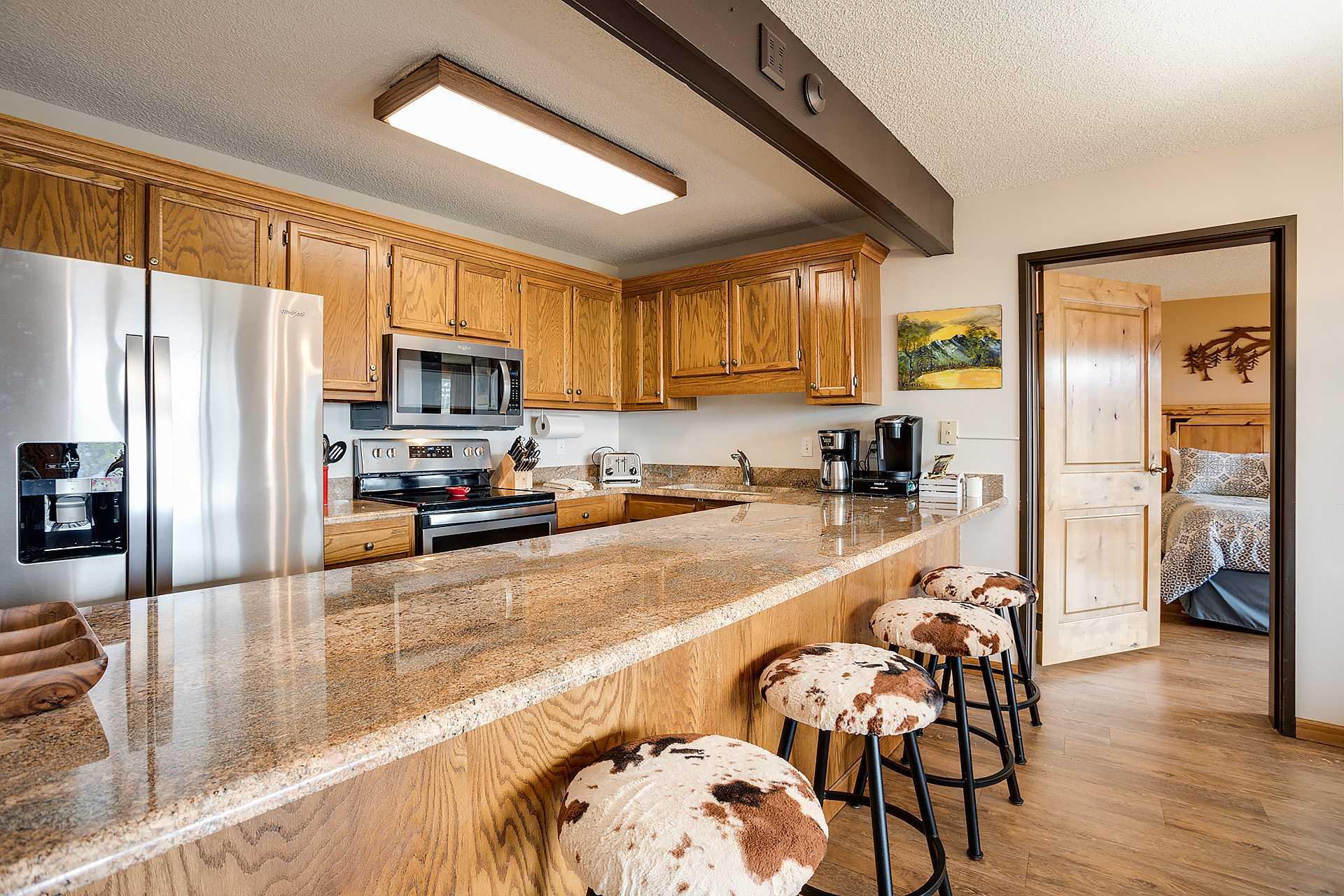 BT505: Bronze Tree Condominiums