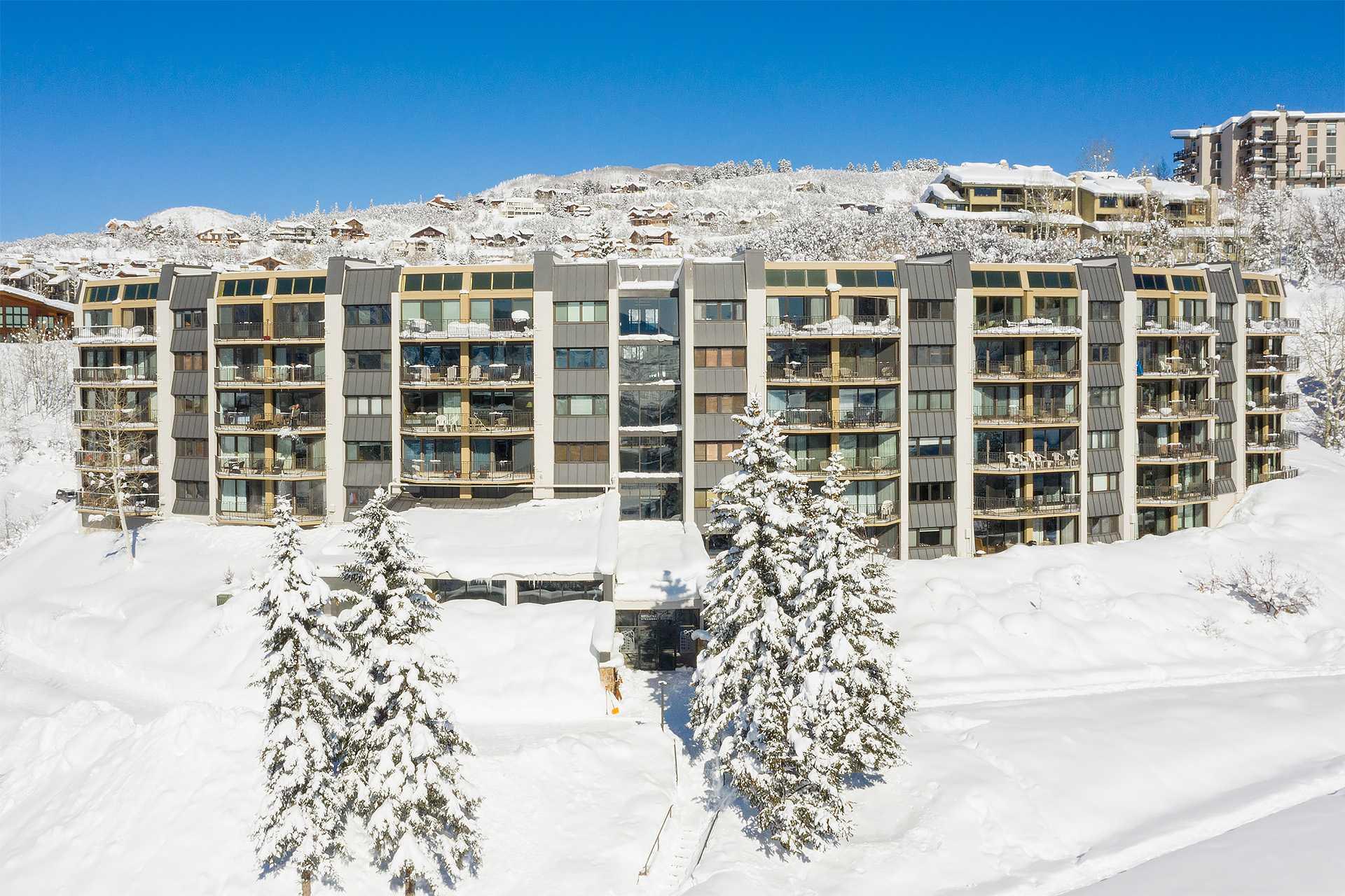 BT606: Bronze Tree Condominiums
