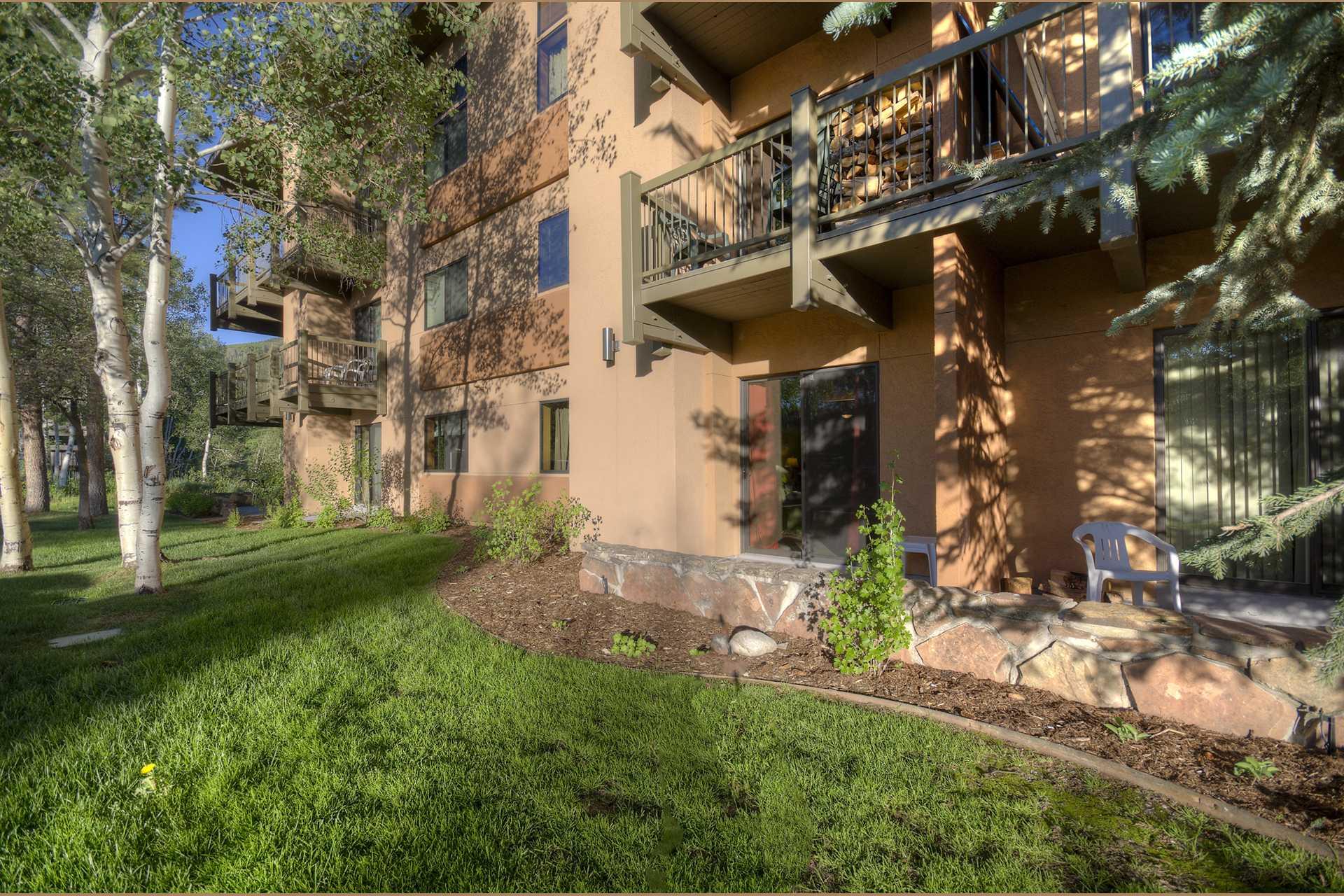 CB218: Storm Meadows Club B Condominiums