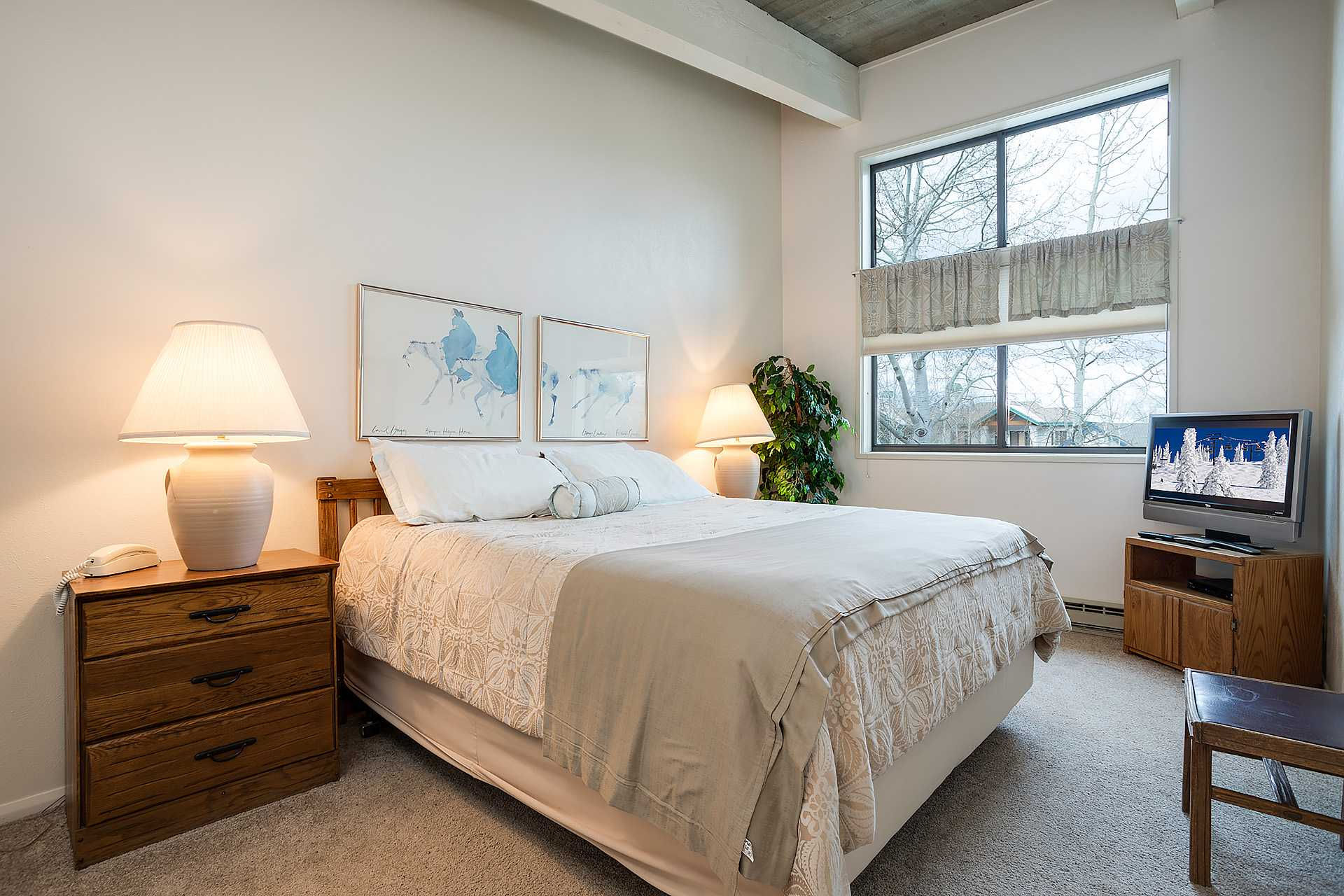 CB420: Storm Meadows Club B Condominiums