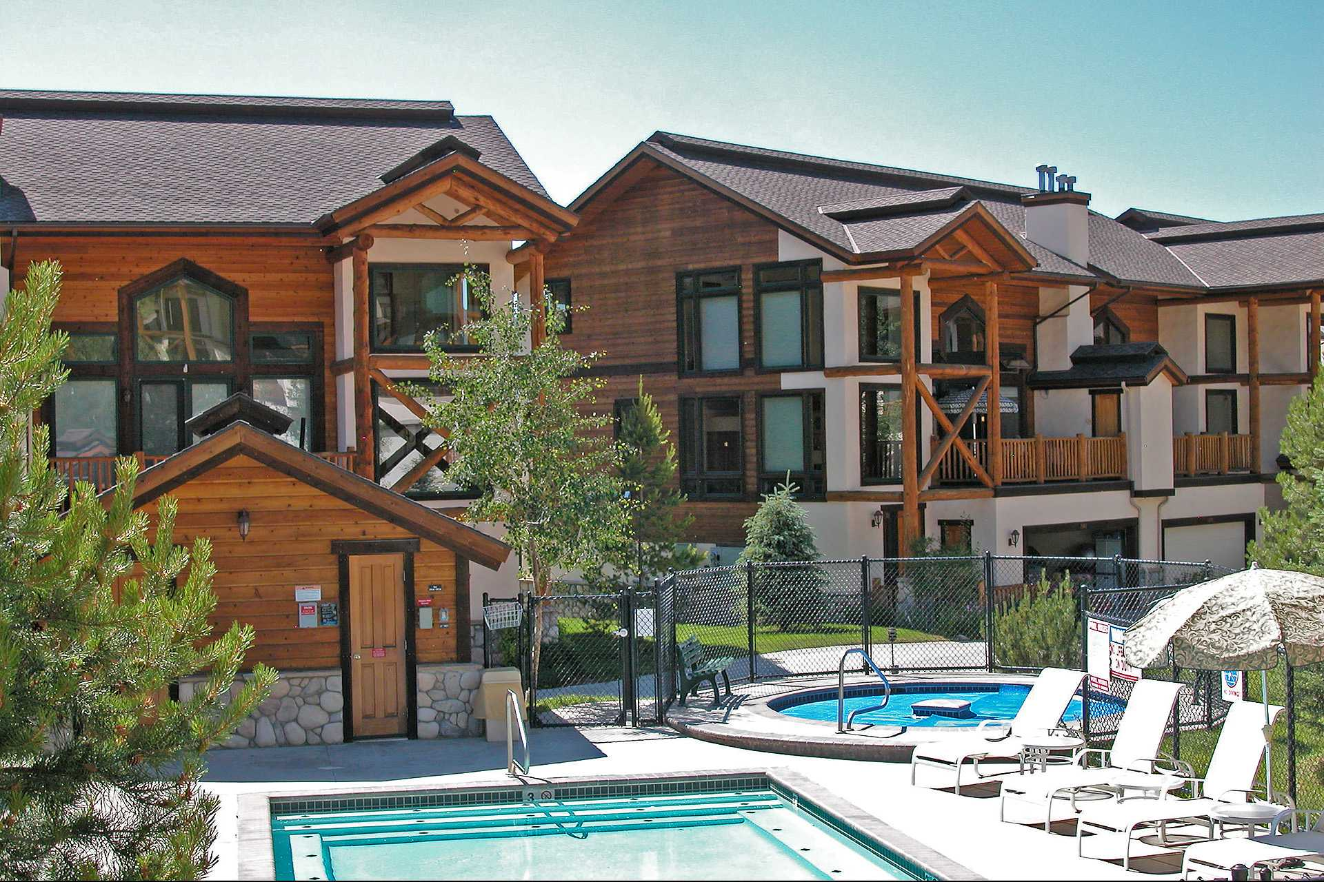 Crosstimbers at steamboat steamboat springs resort lodging for Cabins in steamboat springs