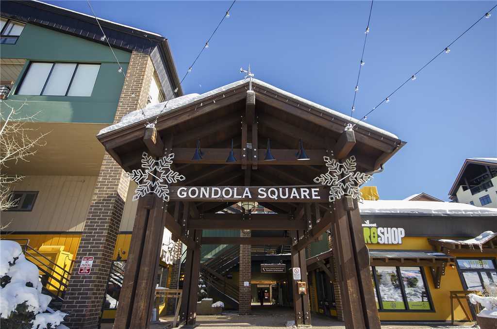 GSQ35: Gondola Square