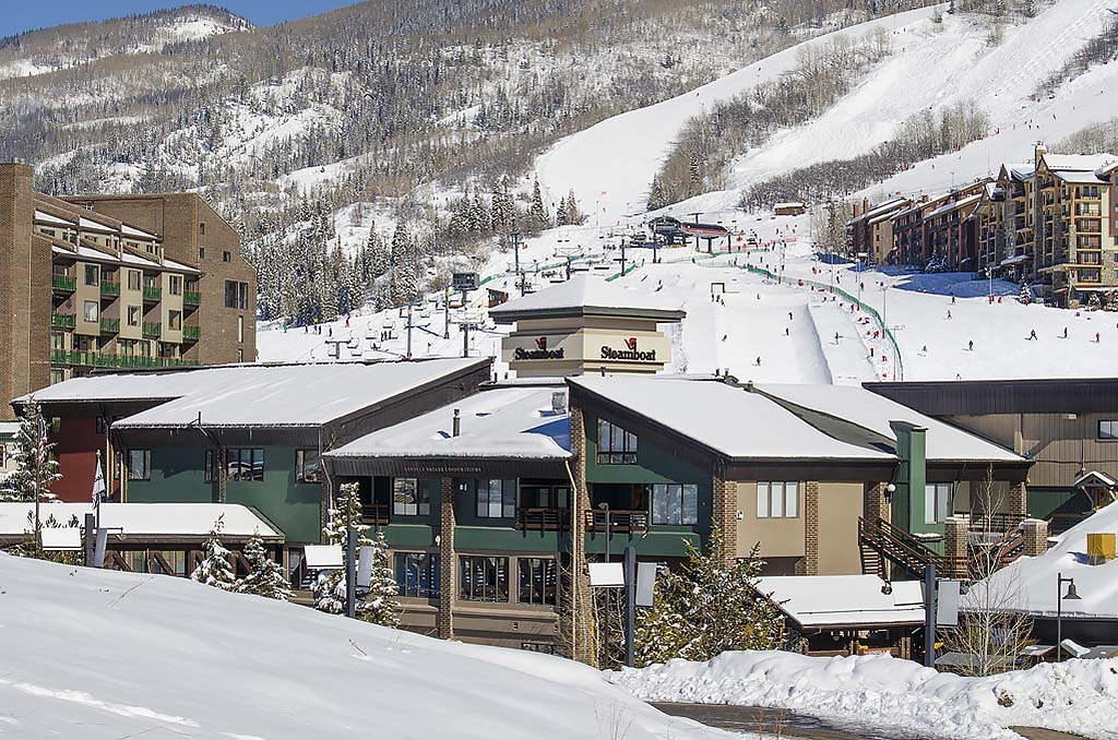 Gondola square steamboat springs vacation rental for Cabin rentals near steamboat springs