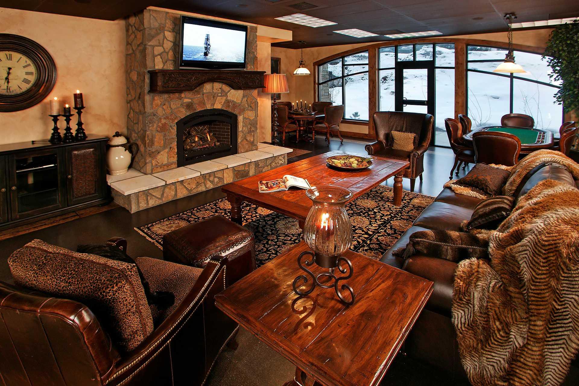 HM4E: Highmark Steamboat Springs