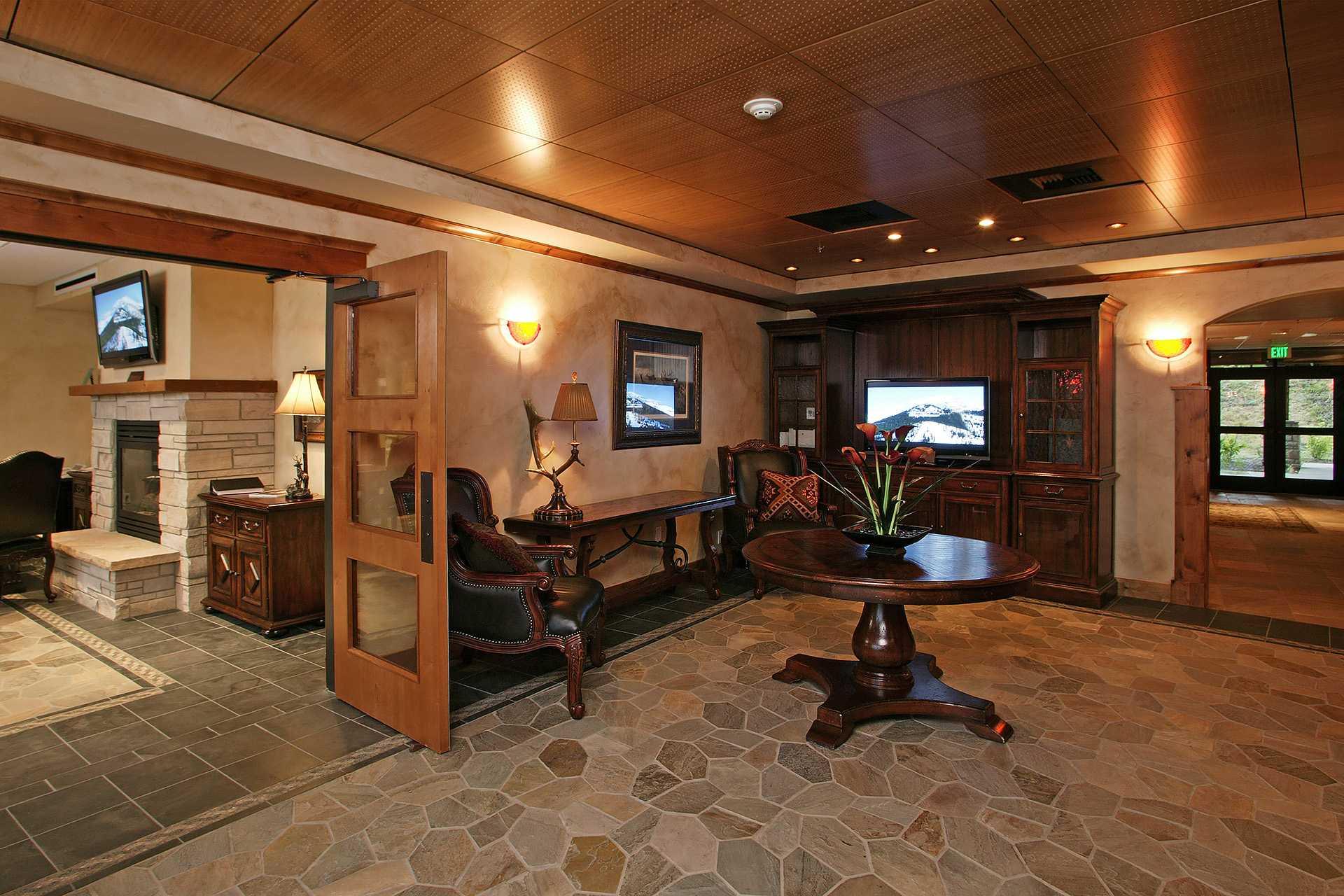 HM5E: Highmark Steamboat Springs