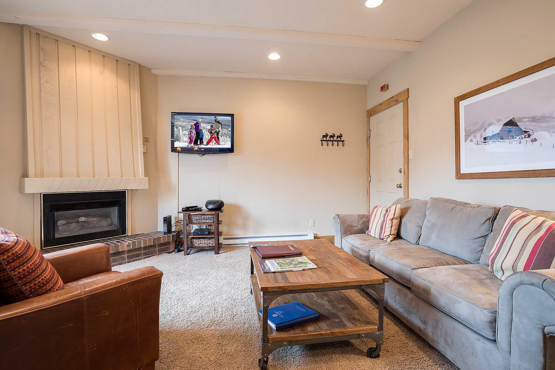 R2408: Rockies Condominiums