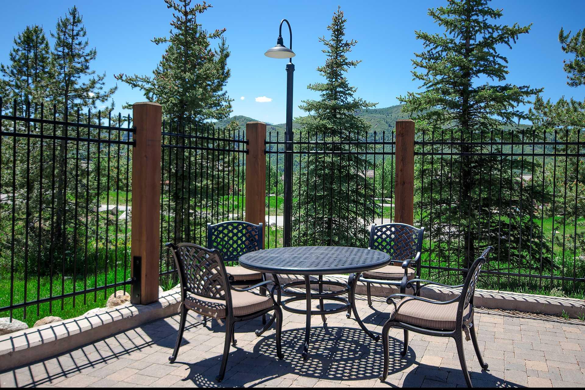 R2436: Rockies Condominiums