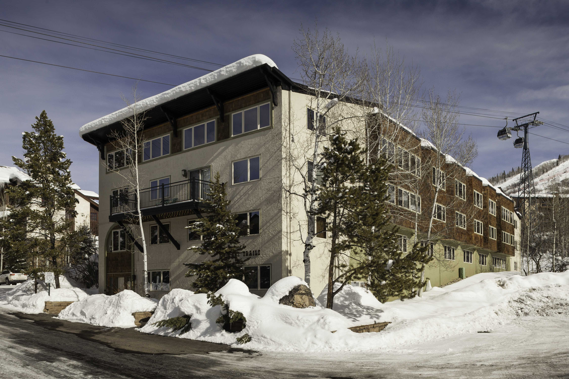 SK201: Ski Trail Condominiums