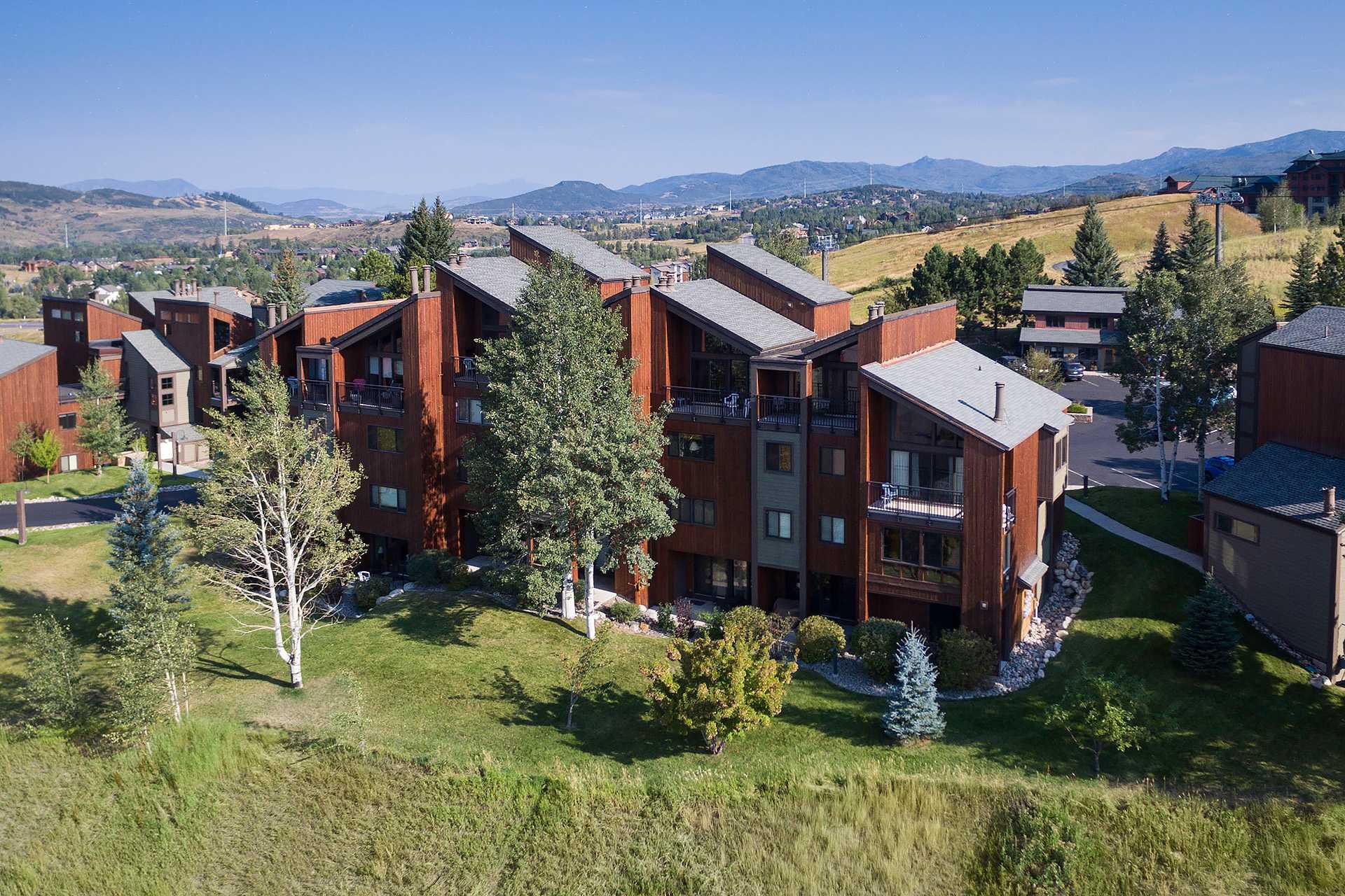 W3302: The West Condominiums