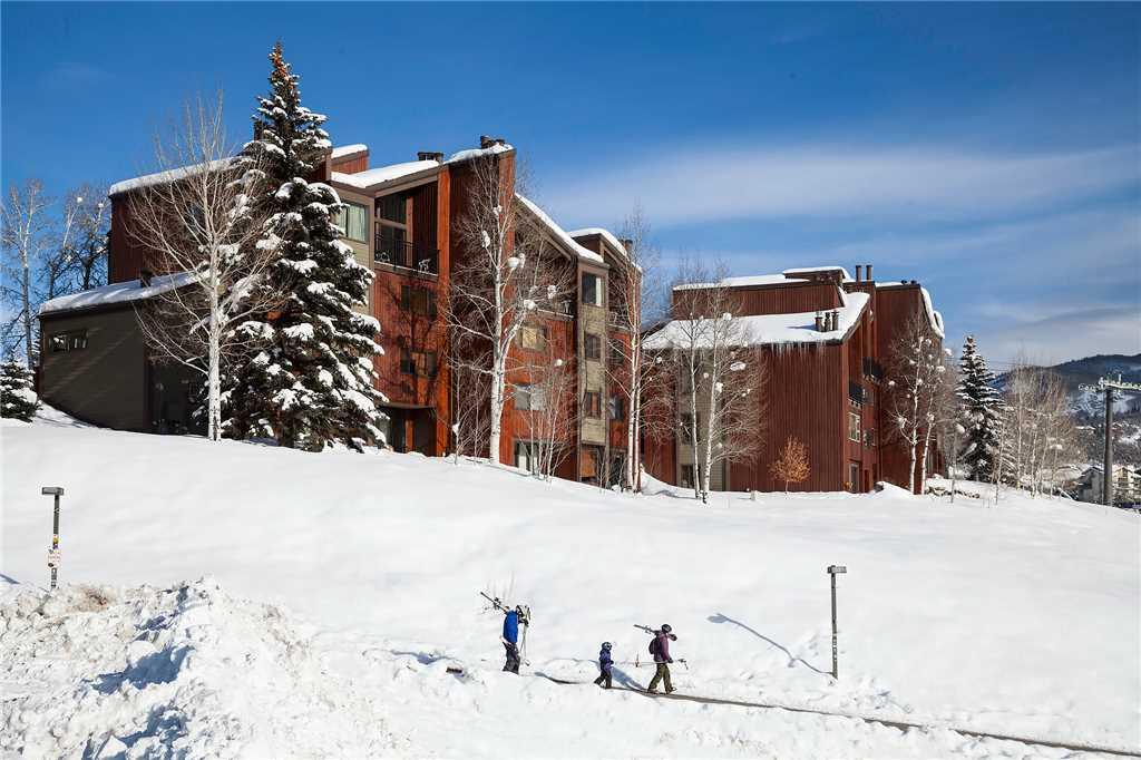 W3305: The West Condominiums