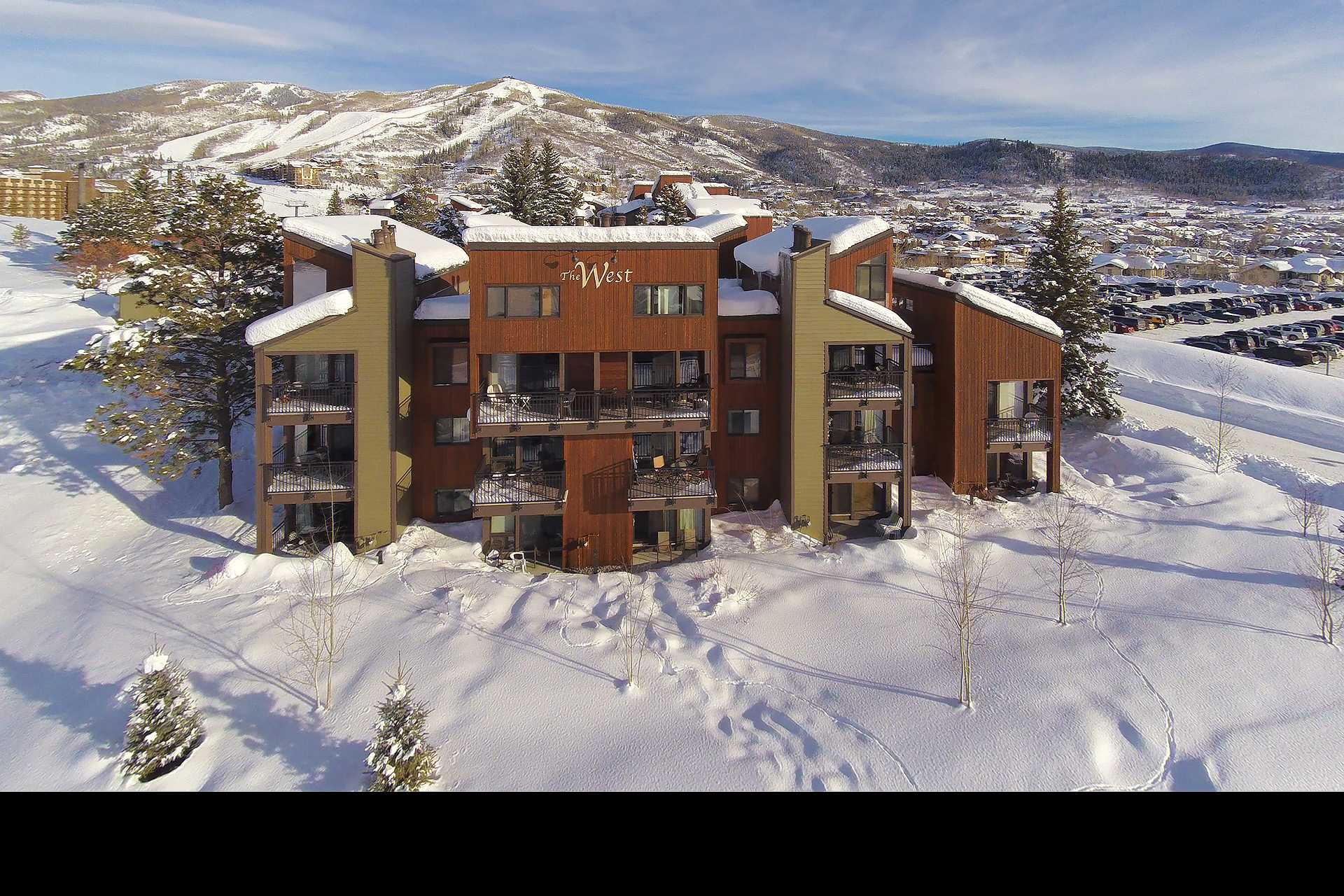 W3323: The West Condominiums