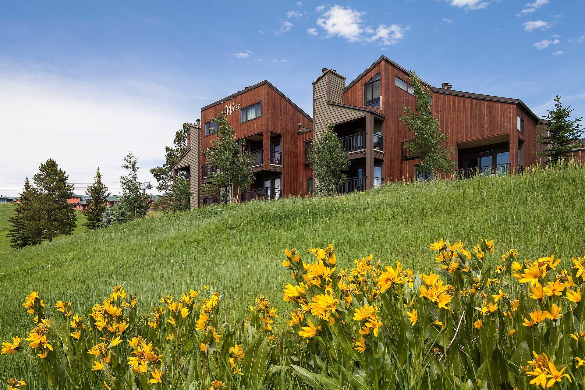 W3401: The West Condominiums