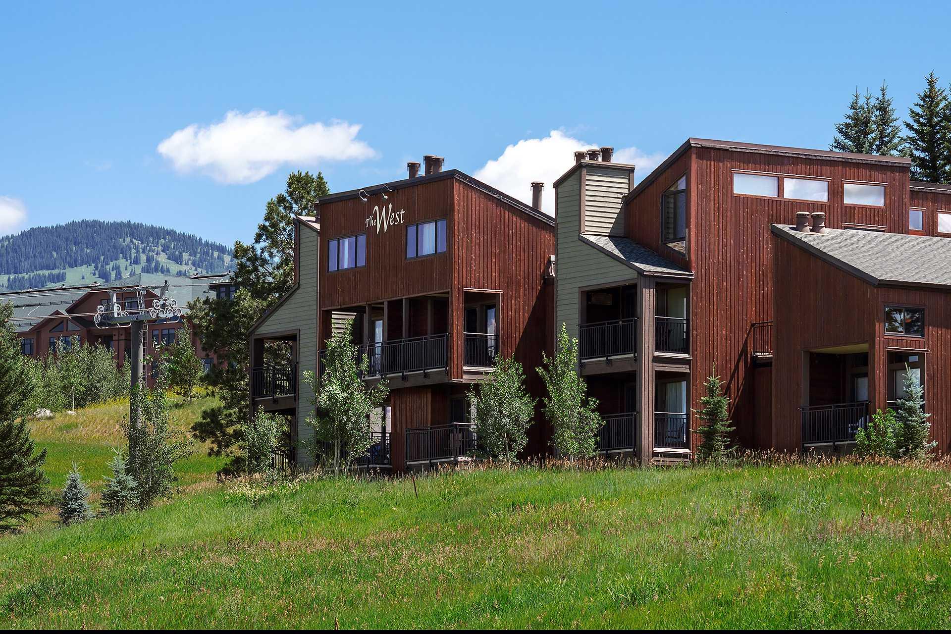 W3506: The West Condominiums