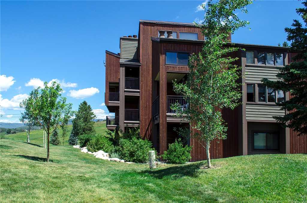 W3527: The West Condominiums